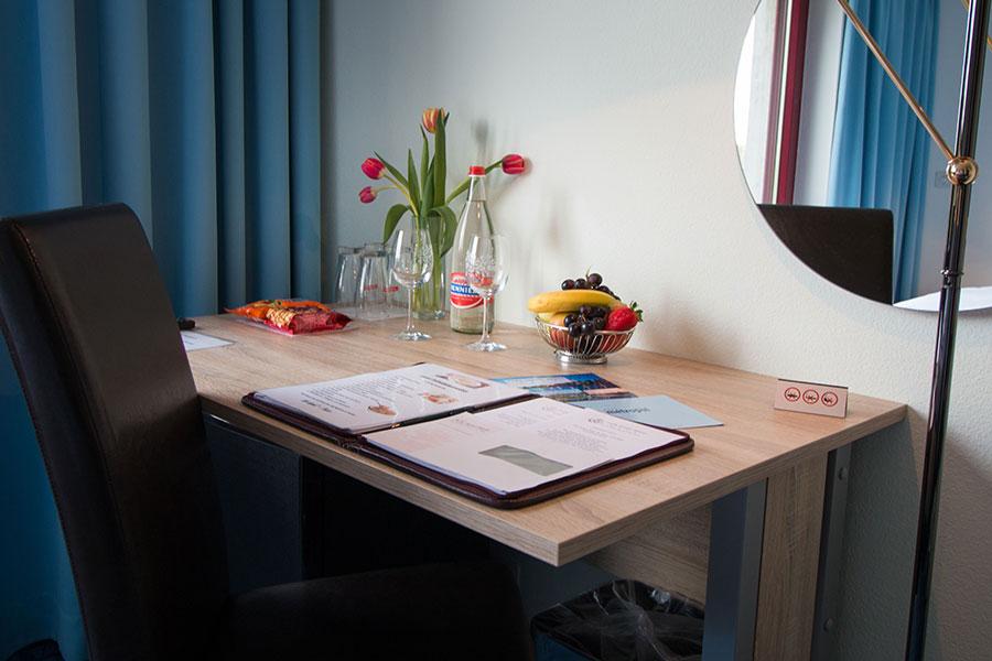 Bild normal Austattung-Doppelzimmer Standard-Park-Hotel Inseli-MG_6826-900x600
